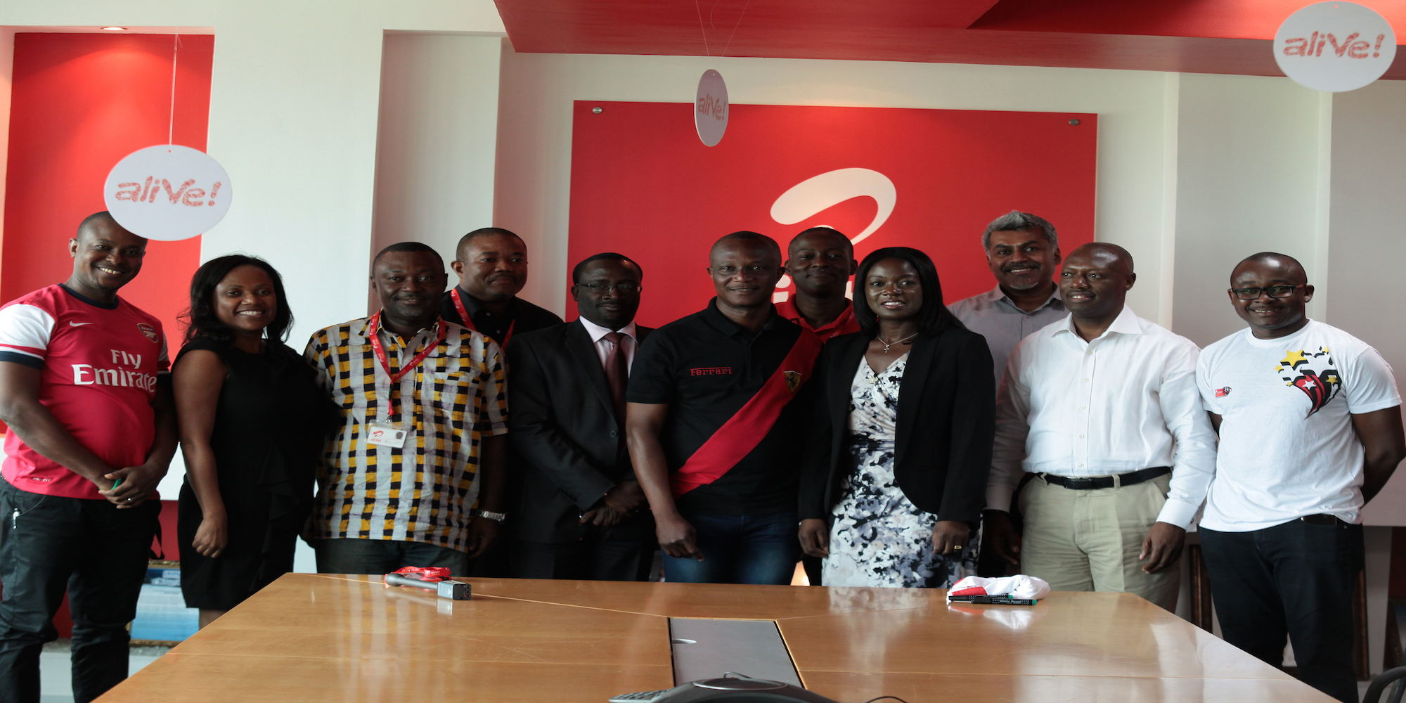 Coach Kwasi Appiah poses with some Directors of Airtel Ghana