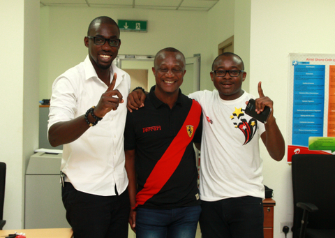 Number 1- Airtel staff endorse Kwasi Appiah and their brand as being Number 1.