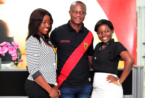 Ladies man- Airtel ladies affected by the calmness of the Silent Boss.
