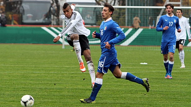 Steffan Nkansah in action for German U18 side