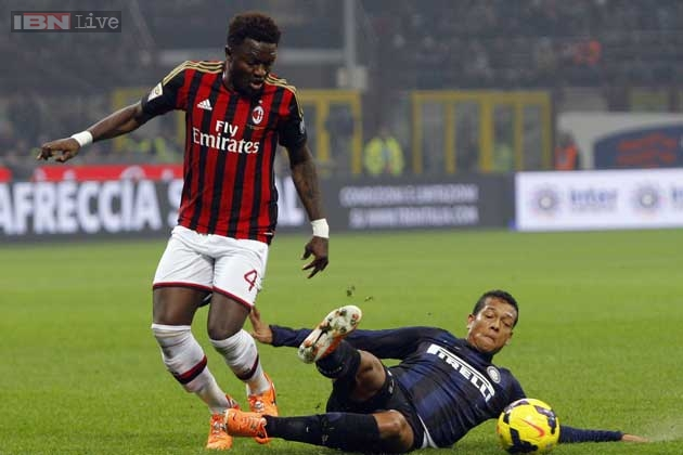 Sulley Muntari will not leave AC Milan in the summer