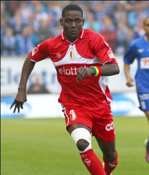 Portuguese giants Porto are in the running to sign Ghanaian defender Daniel Opare from Belgian side Standard Liege, according to the player's agent.