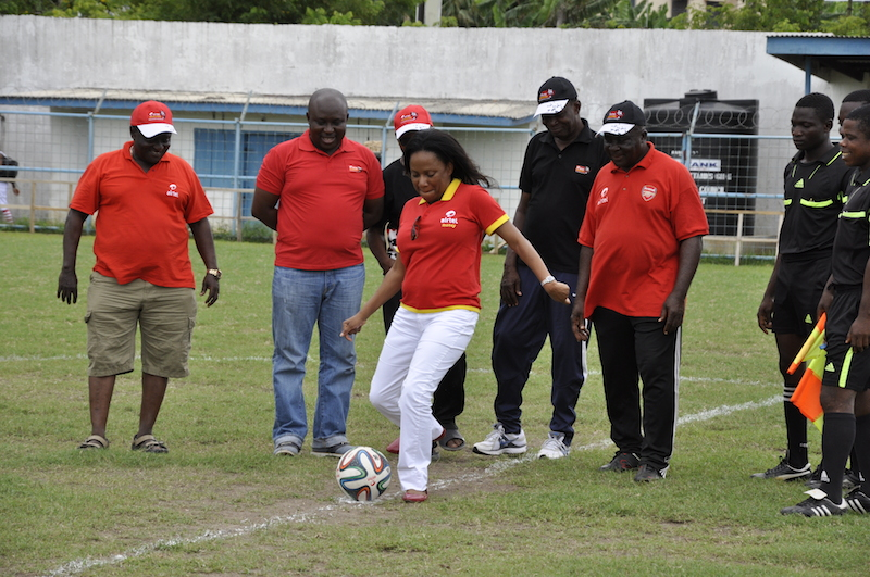 Head of HR Tina Mapuradzi doing the official kick