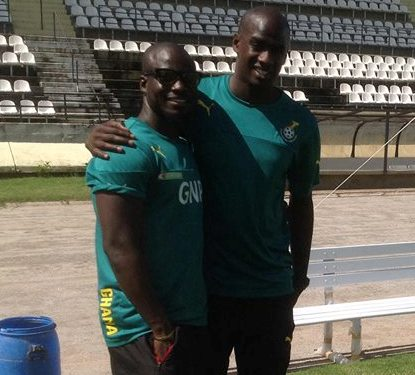 Ghana scout Otto Addo with Stephen Appiah