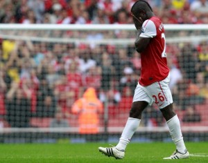 English second tier side Watford are considering a move for ex-Arsenal Ghanaian midfielder Emmanuel Frimpong, the Watford Observer has reported.