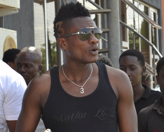 Ghana captain Asamoah Gyan survives boat accident