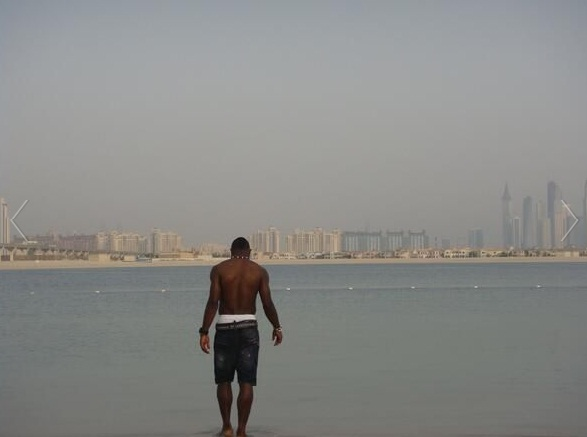Kwadwo Asamoah cooling off at the beach