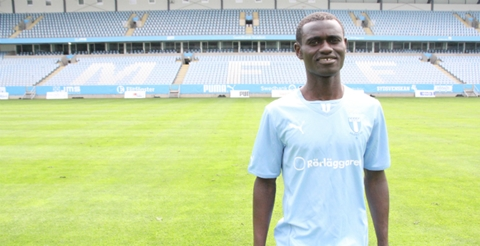 Ghanaian midfielder Enoch Adu Kofi has completed his move to Swedish giants Malmo, GHANAsoccernet.com can exclusively reveal.