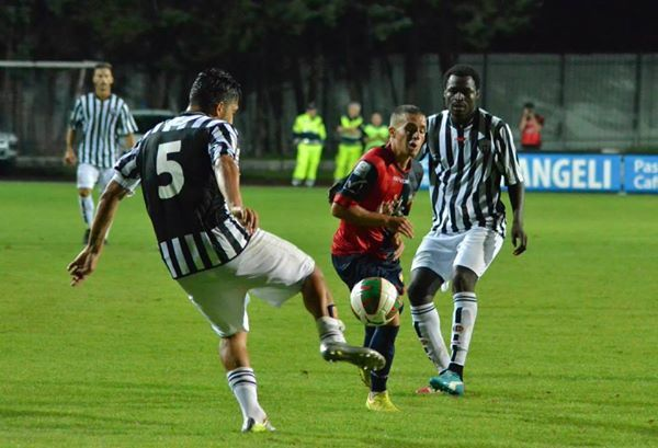 Bright Addae in action for Ascoli in Coppa Italia Lega Pro.