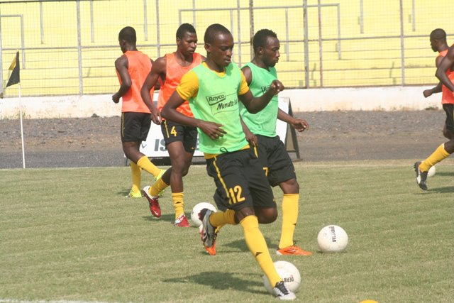 AshGold have released midfielder Aaron Amoah