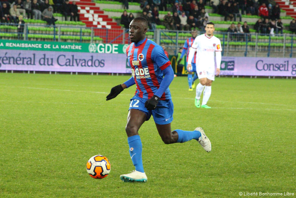 Dennis Appiah in action for Caen