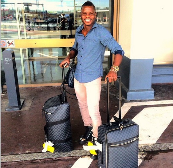 Mubarak Wakaso catches flight to Scotland to complete Celtic move