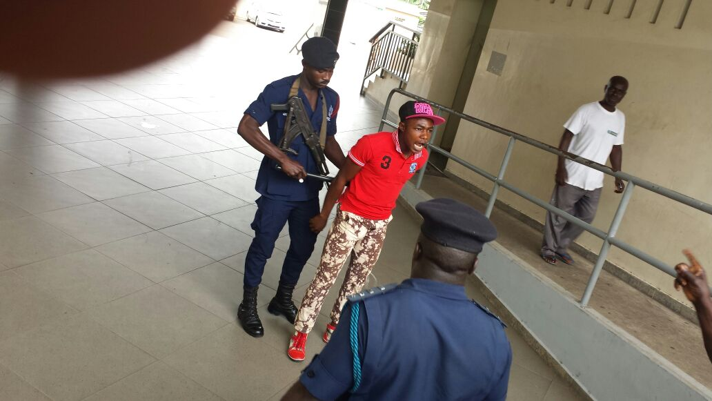 Police arrest fan in Kumasi.