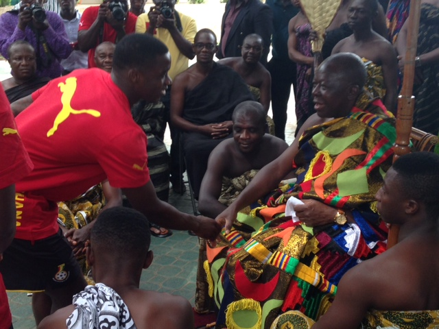 Jeffrey Schlupp meets the Asantehene