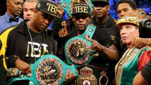 Mayweather outclasses Maidana in rematch