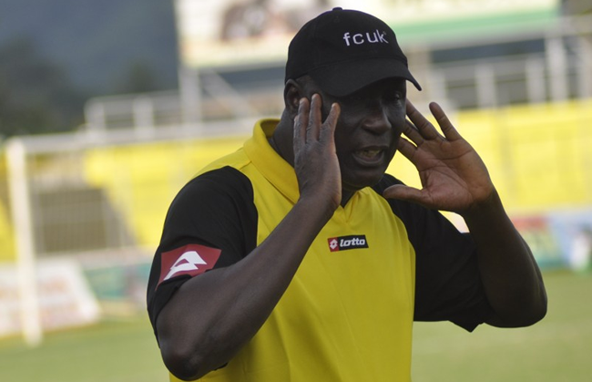 AshantiGold coach Bashir Hayford courting FA sanction after walking off journalists in post-match interview