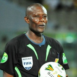 Referee Cecil Fleischer involved in a fight with a Kotoko fan before officiating league clash with AshGold