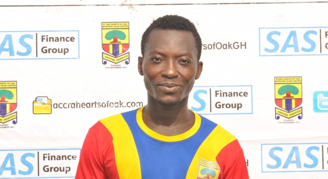 Hearts midfielder Kofi Abanga set to sign two-year deal with Congolese side Saint Eloi Lupopo