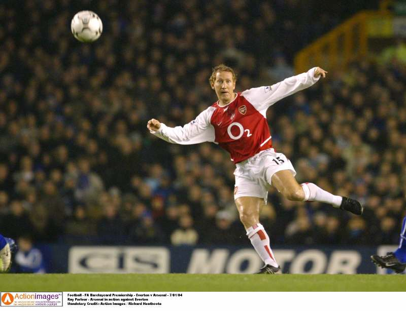 Football - FA Barclaycard Premiership - Everton v Arsenal - 7/01/04 Ray Parlour - Arsenal in action against Everton  Mandatory Credit : Action Images / Richard Heathcote 7/1/04