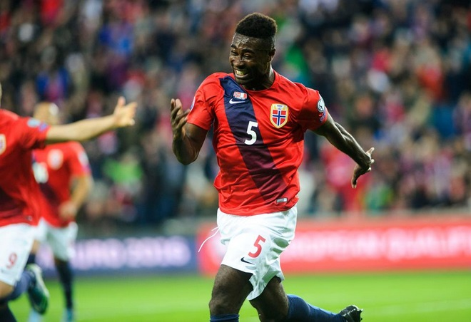 Ghana-born Alex Tettey scores for Norway against Italy in Euro qualifier