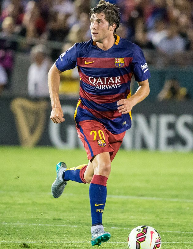 Barcelona midfielder Sergi Roberto suffers ankle injury