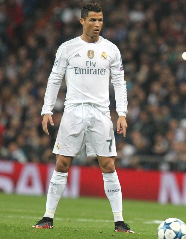 Oliver Kahn expects Real Madrid ace Ronaldo to win Ballon d'Or