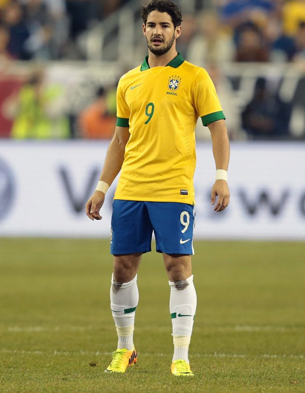 Corinthians chief Edu: Arsenal boss Wenger has asked about Pato