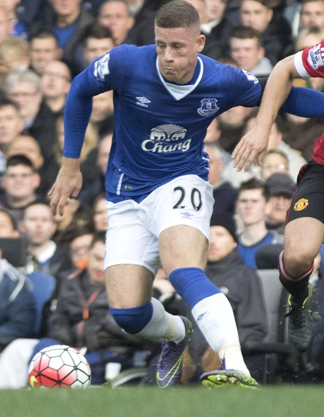 Everton boss Martinez feared Barkley entering red zone