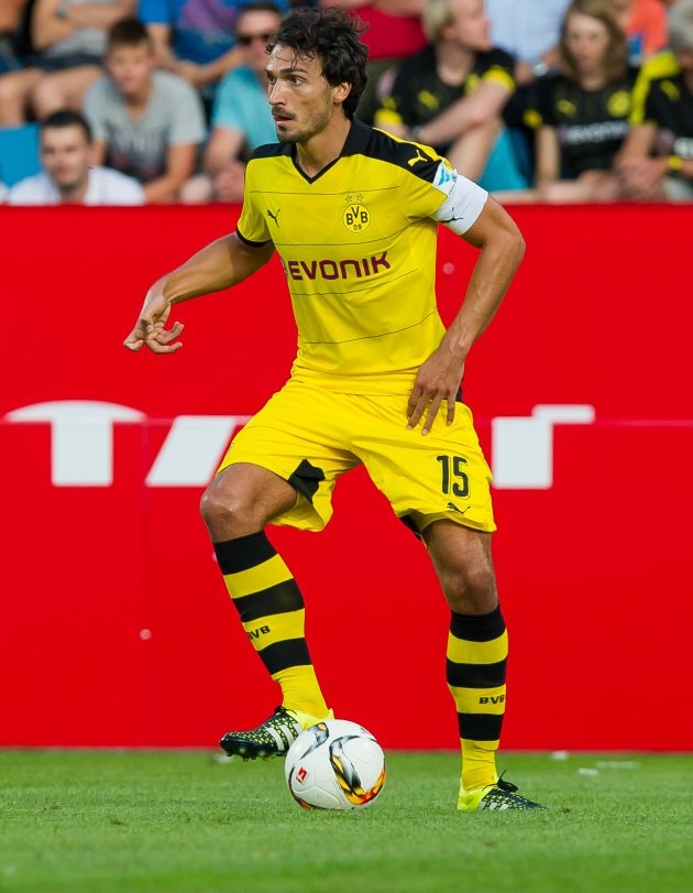 Liverpool, Man Utd target Hummels BENCHED by BVB