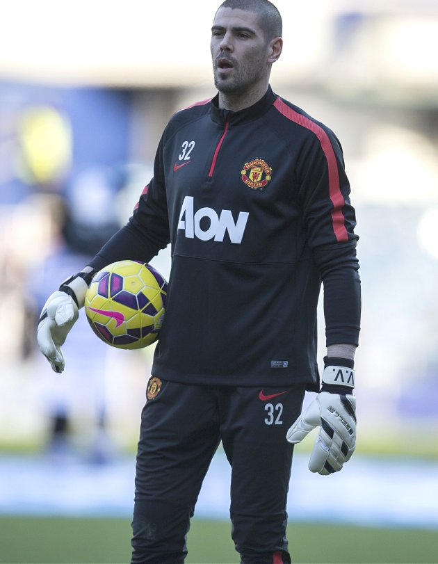 Wife of Valdes hits out at Man Utd