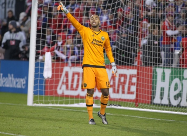 Adam Kwarasey inspires Portland Timbers to clinch MLS Western Conference title