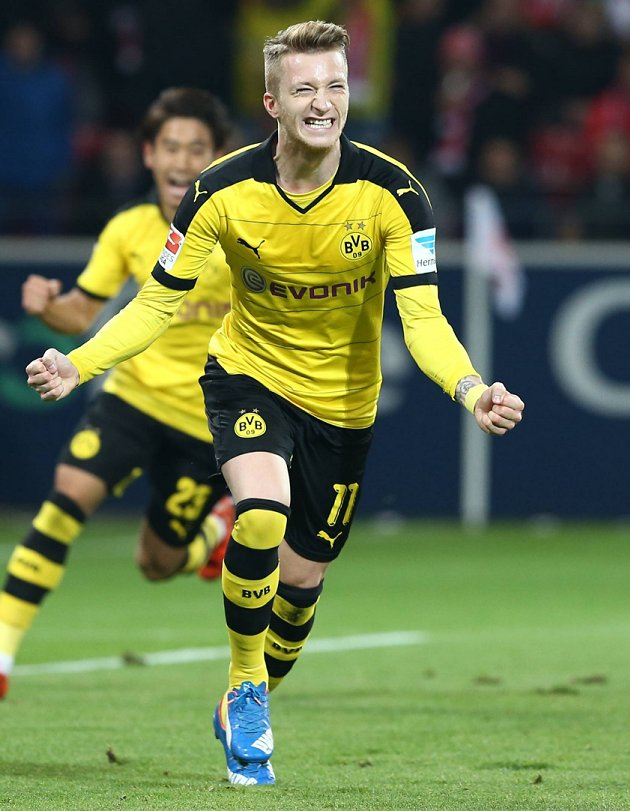 Man Utd, Liverpool alerted as Reus agent spotted in Barcelona