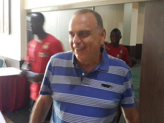 <h2>Avram Grant back in the UK after getting Ghana FA permission to spend Christmas with his family</h2>