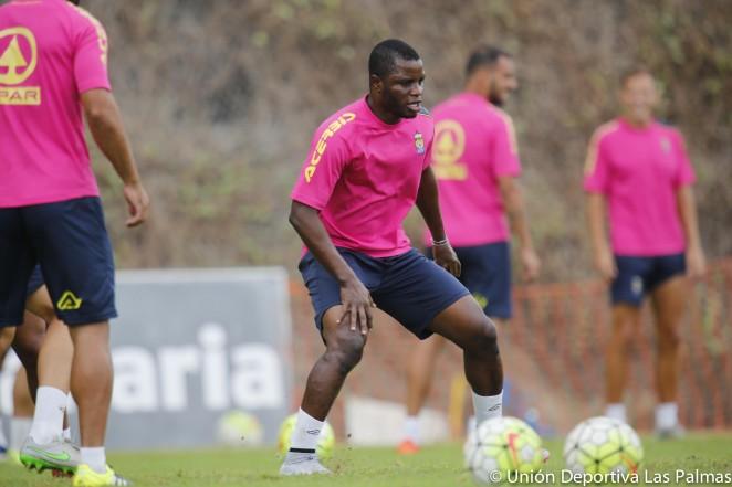Las Palmas confirm Mubarak Wakaso sidelined for up to four weeks