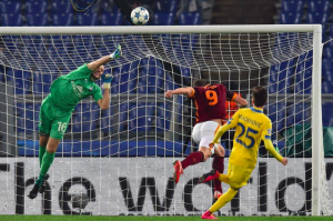 New Roma coach backs misfiring striker to succeed