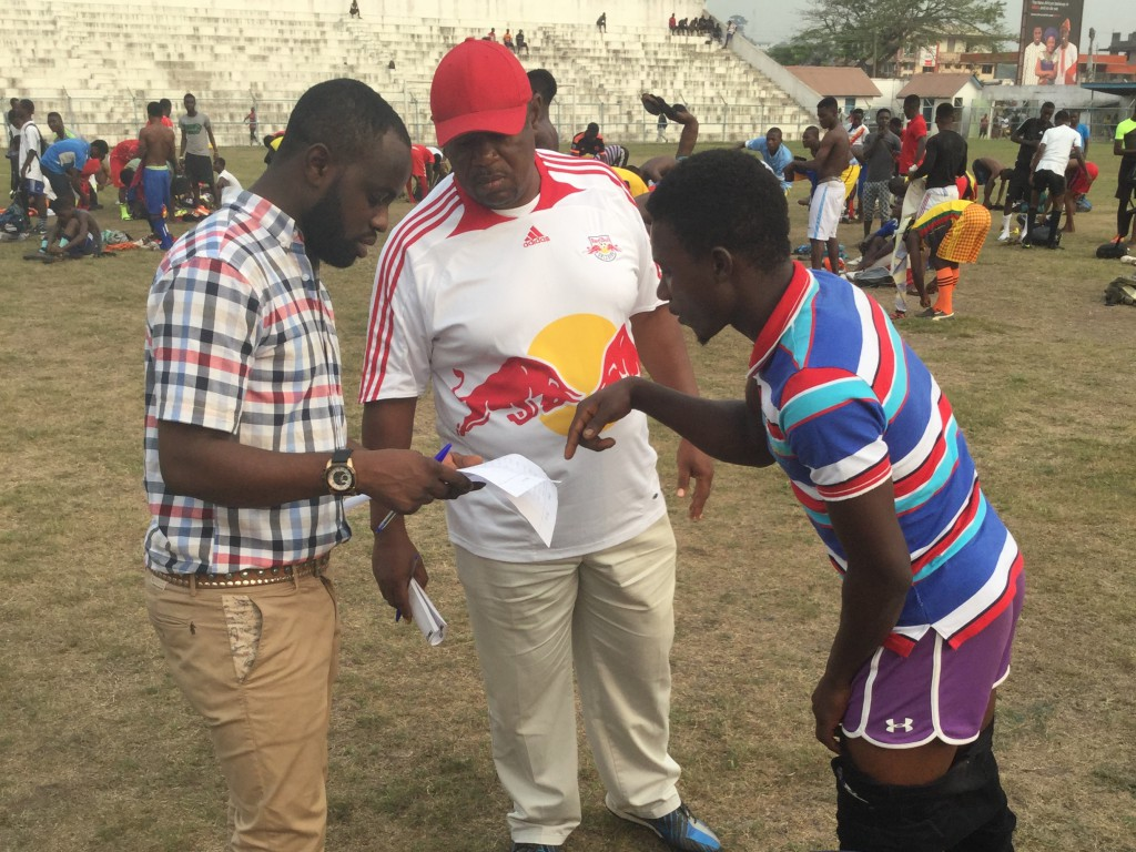 Roy Arthur hands support to Ghana U17 technical handlers at Cape Coast justifier