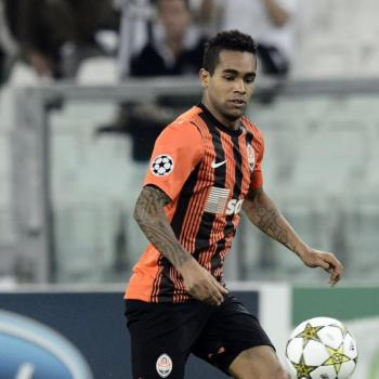 Liverpool unlikely to make deadline day bid for Teixeira