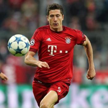 Bayern Munich - Pep Guardiola praises Lewandowski