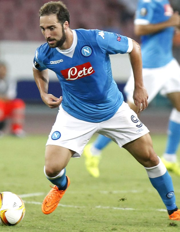 Napoli ace Higuain rejected Chelsea winter move