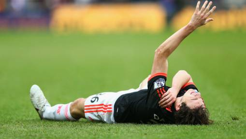 United Full-Back Crisis Continues as Dislocated Shoulder Rules Darmian Out for 'Several Weeks'