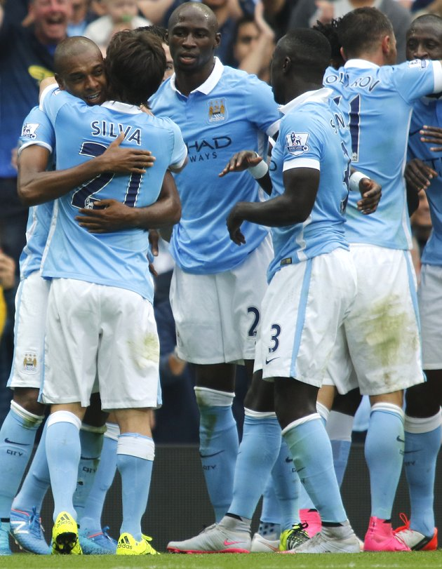 Man City boss Pellegrini implores his team to continue title fight