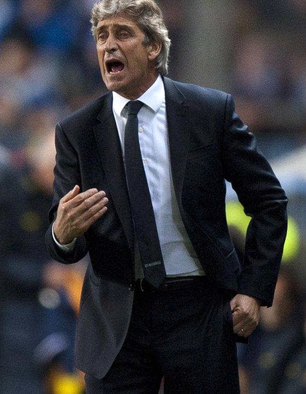 Pellegrini furious at Clattenburg as Man City downed by Tottenham