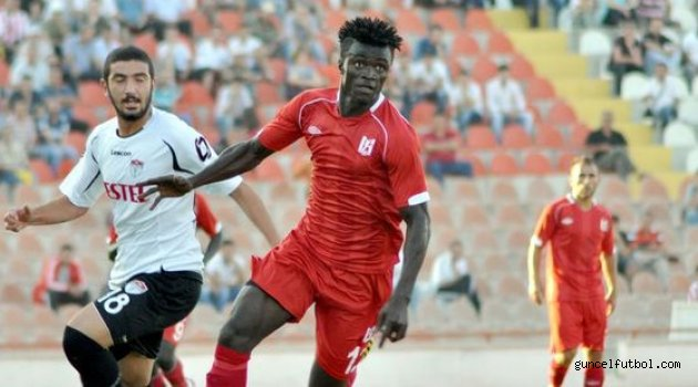 Host of Swedish clubs interested in signing ex-Ghana U20 forward Kwame Karikari