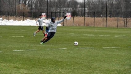 Gideon Baah completes first training session with New York Red Bulls