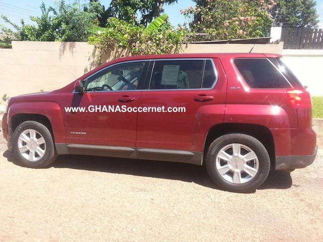 Elmina Sharks surprised head coach Kobina Amissah on Tuesday with a GMC Terrain vehicle.