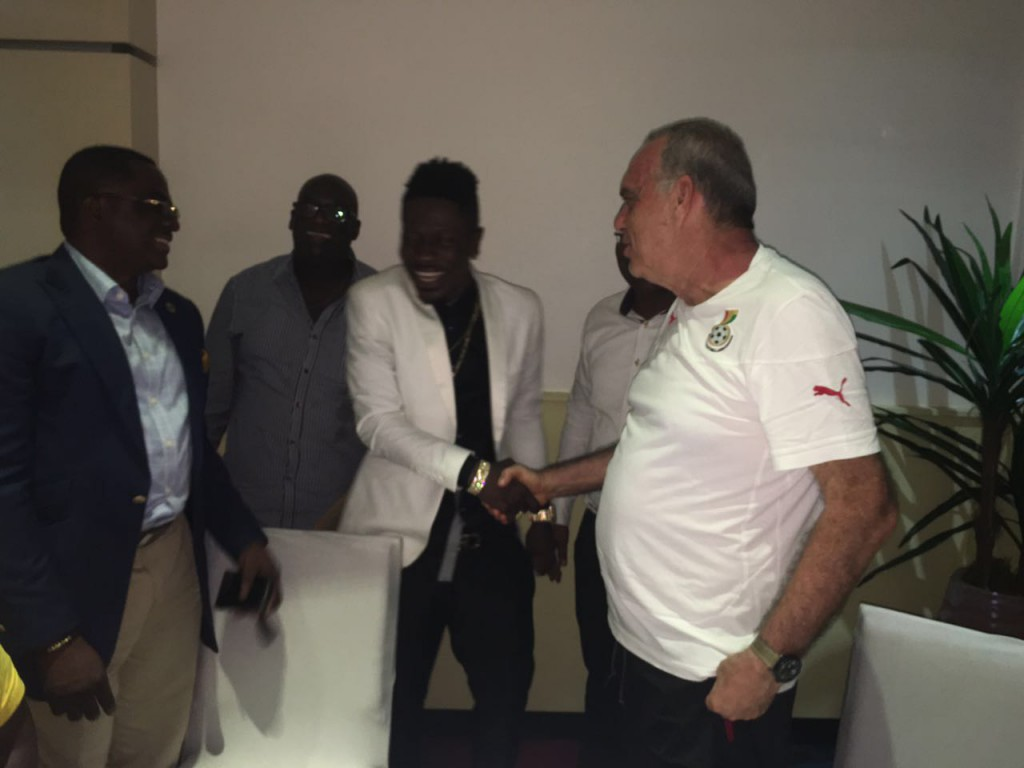 PHOTOS: Top Ghana Music Icon Shatta Wale visits Black Stars ahead of Mozambique clash