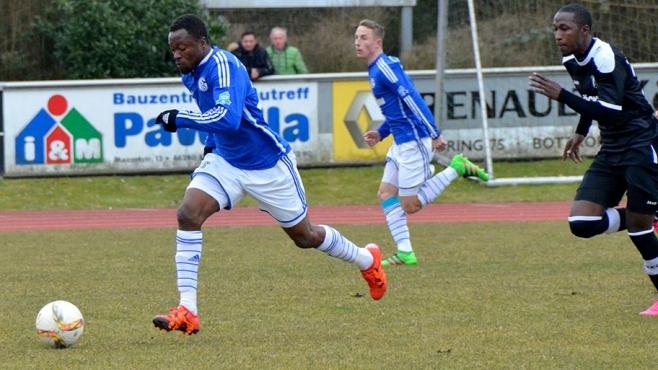 Bernard Tekpetey in action for Schalke 04 II