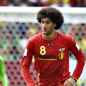 MANCHESTER UNITED - Huth grabs Fellaini's hair and he replied with an elbow