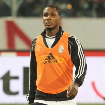 ARSENAL and MANCHESTER UNTIED fight for Ighalo