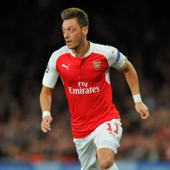 ARSENAL, Ozil will negotiate renewal after Euro 2016